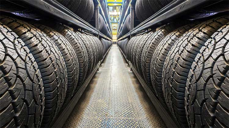 Các nhà sản xuất lốp đều sử dụng cùng một chất hấp thụ là bột carbon đen.
