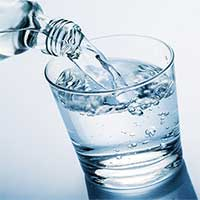 Nguy hại khi uống nhiều nước