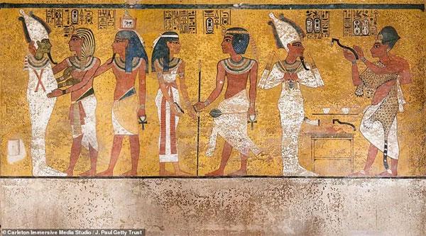 Những bức tranh xuất hiện trong hầm mộ vẫn còn giữ được nét vẽ và màu sắc.