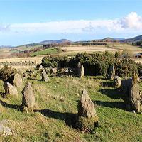 Cú lừa đầu năm: Tưởng có niên đại 4.000 năm, hóa ra vòng đá này mới chỉ... 20 tuổi