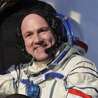 Trụ sở NASA phát báo động vì cuộc gọi đến từ ngoài Trái Đất