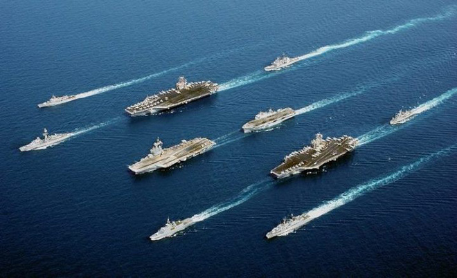 Một đội tàu gồm 3 tàu sân bay của Hải quân Mỹ