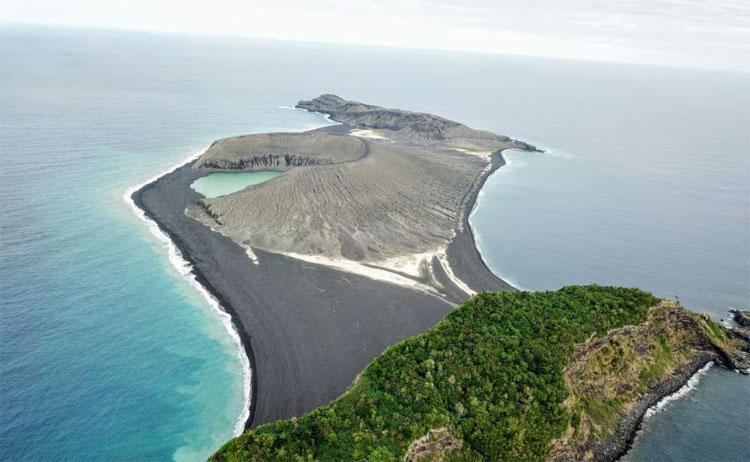 Hòn đảo Hunga Tonga.