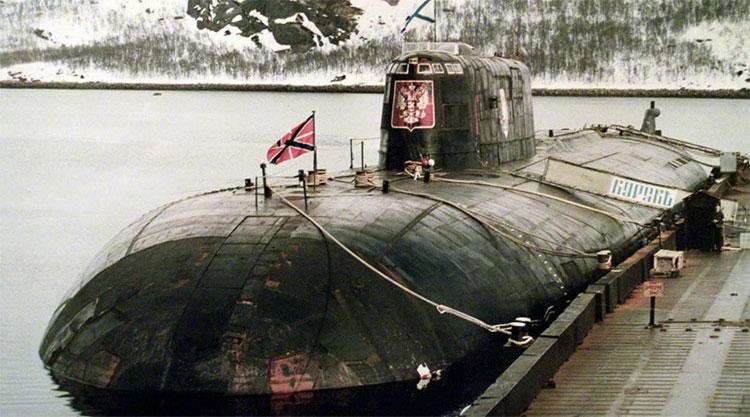 Bà Vanga được cho rằng đã đoán trước về vụ tàu ngầm hạt nhân Kursk bị nổ và chìm ở biển Barents năm 2000