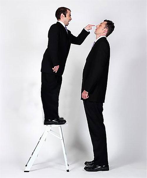 Những anh càng ít nam tính càng có nguy cơ thực hiện các hành vi bạo lực hoặc phạm tội.