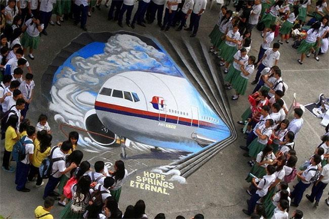 Tranh vẽ máy bay MH370 tại một trường học ở Philippines.