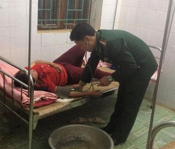 Sau khi được sơ cứu, bệnh nhân đã qua cơn nguy kịch.