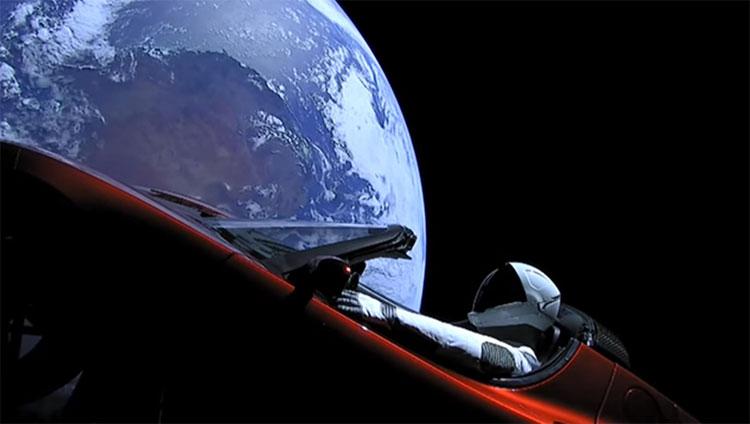 Sao Kim và Mặt trời là ba mục tiêu hướng tới cao nhất của hành trình chiếc Tesla Roadster.