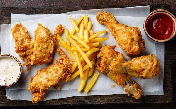 Thường xuyên ăn gà rán có nguy cơ tử vong sớm cao hơn 13%.