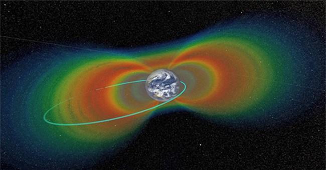 """2 tàu vũ trụ NASA sẽ lao về phía Trái đất """"tự tử"""""""