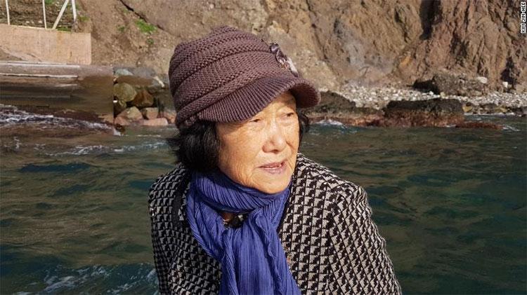 Sau khi chồng qua đời, bà Kim là cư dân duy nhất trên đảo.