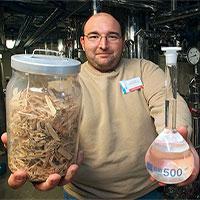Không cần ngô hay lúa mì, ethanol thế hệ thứ hai được sản xuất từ... chất thải