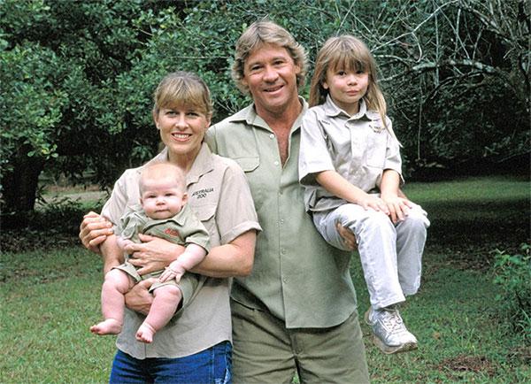 Stephen Robert Irwin cùng gia đình của mình.