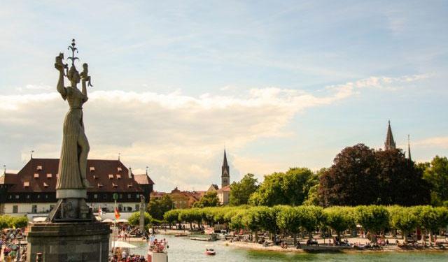 Biên giới giữa thành phố của Konstanz ở Đức và Kreuzlingen ở Thụy Sĩ được thiết lập trong thời gian chiến tranh
