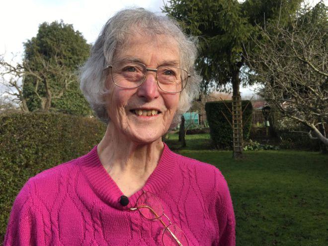 Bà Janet Osborne