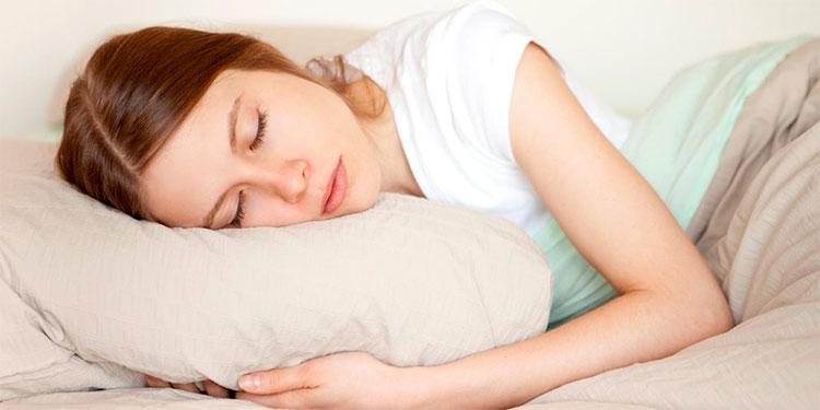 Hãy làm nhẹ bàng quang trước khi lên giường ngủ để mang lại cảm giác dễ chịu và nhẹ nhõm.