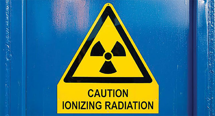 Bức xạ ion hóa có nguy cơ gây hại sức khỏe.