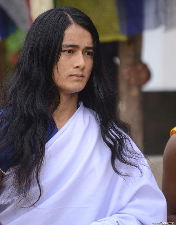 Chàng trai ở Nepal từ năm 11 tuổi đã xuất gia, 14 tuổi bắt đầu tu thiền.