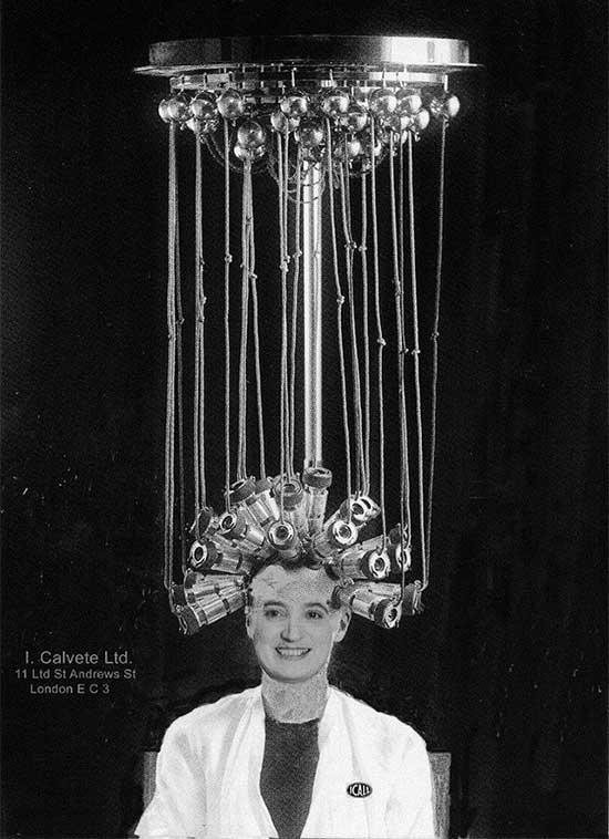 Máy làm xoăn tóc do Icall chế tạo, được bán vào năm 1923.