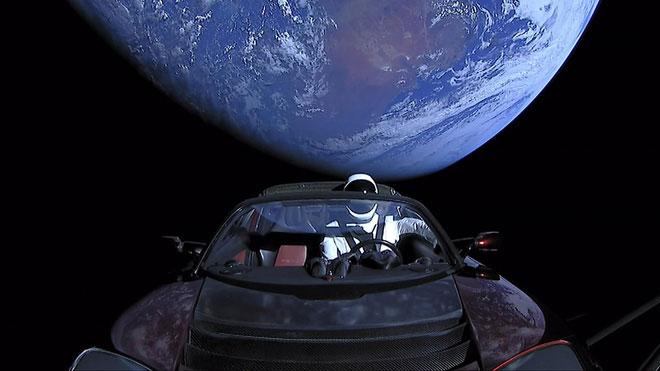 Tới thời điểm hiện tại, chiếc Tesla Roadster đã đi xa hơn bất kỳ chiếc xe nào trên Trái Đất