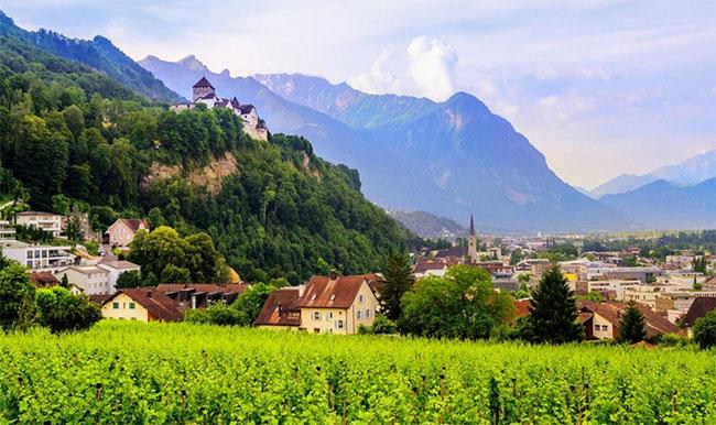 Sau hơn 300 năm với bao nhiêu biến cố lịch sử, đường biên giới của Liechtenstein vẫn không thay đổi.
