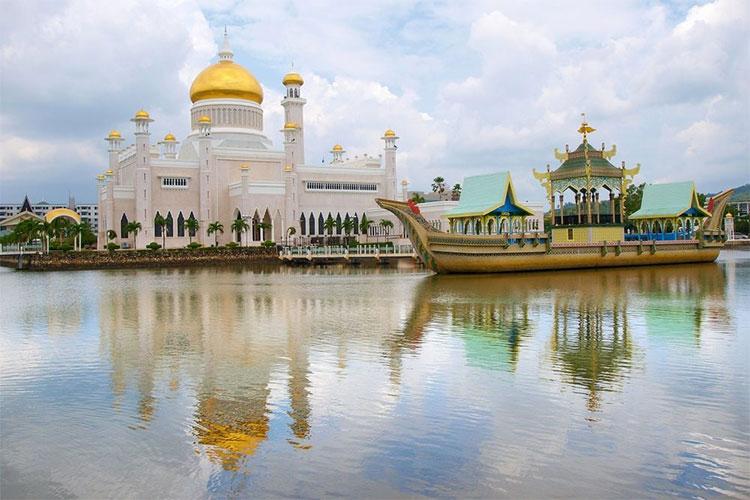 Vương quốc Brunei tuy nhỏ bé nhưng vô cùng thịnh vượng.