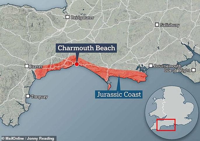 """Bờ biển Dorset hay còn gọi là """"Bờ biển Kỷ Jura"""" (tô đỏ)"""