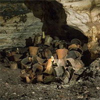 """Bên trong hang động """"thần bí"""" 1.000 năm tuổi của người Maya"""