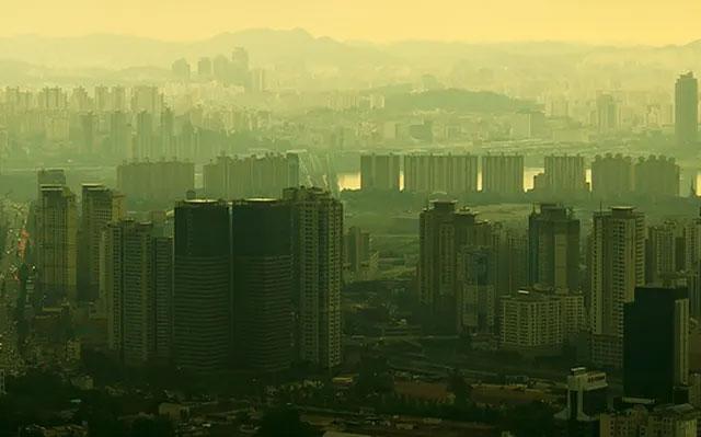 """Hàn Quốc và Trung Quốc đang nỗ lực để """"rửa trôi"""" không khí ô nhiễm."""