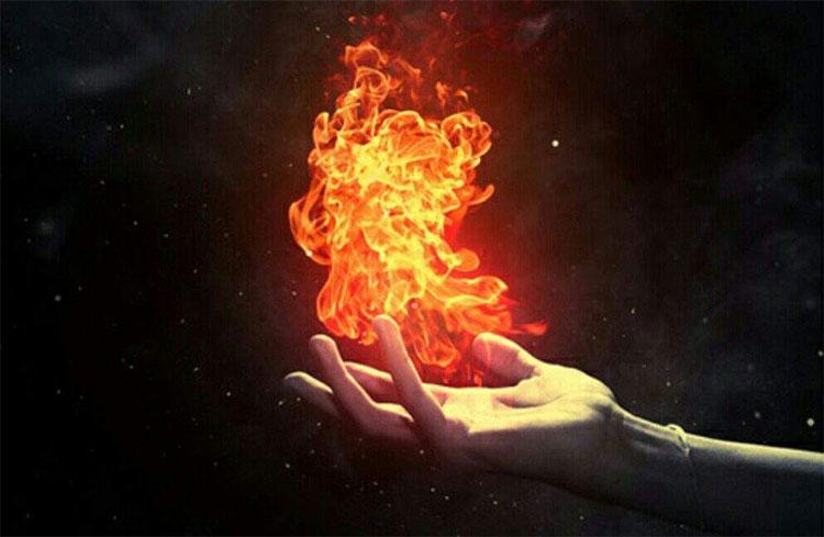 Bàn tay họ tự dưng bốc cháy, trong khi mọi thứ xung quanh họ đều không hề hấn gì.