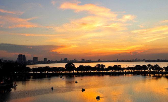 Hồ nào ở Hà Nội được tạo nên bởi một đoạn của sông Hồng?
