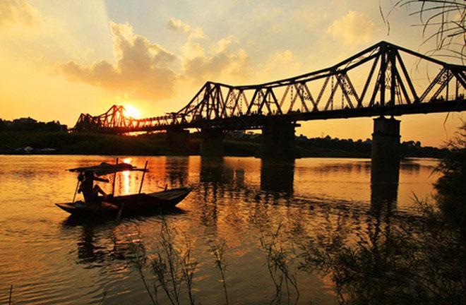 """Nơi nào của nước ta có biệt danh """"thành phố sông hồ""""?"""