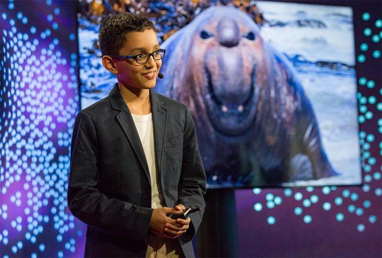 Chỉ mới 12 tuổi nhưng Kazi đã tự tin giới thiệu giải pháp ERVIS loại bỏ chất thải nhựa ở đại dương trong chương trình nổi tiếng TEDxGateway.