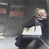Phụ nữ nên làm gì khi bị tấn công tình dục trong thang máy?