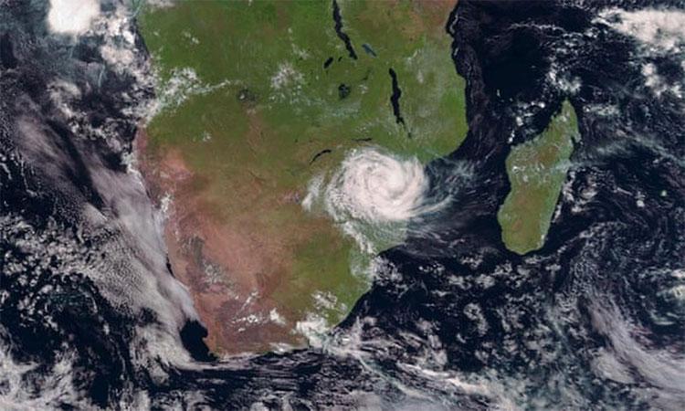 Ảnh chụp vệ tinh bão nhiệt đới Idai xuất hiện ở Mozambique.
