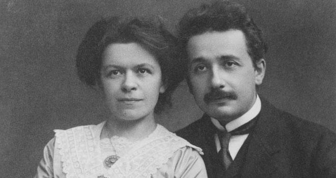 Nhà bác học Albert Enstein và vợ Mileva Marić.
