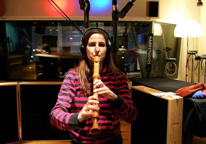 Elisabeth Sulser nhìn thấy sóng âm và cảm nhận được hương vị âm nhạc nhờ chứng cảm giác kèm.