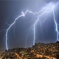 Cơn giông mạnh nhất trong lịch sử, điện thế 1,3 tỷ volt