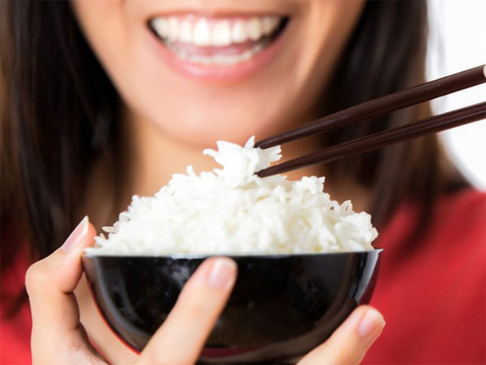 Khi bị cắt dạ dày thì người bệnh cần ăn nhiều bữa nhỏ.