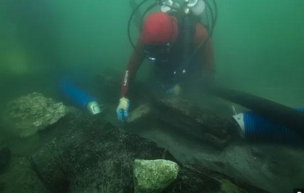 Tàu baris ngủ yên dưới đáy sông Nile gần 2.500 năm vừa được khai quật