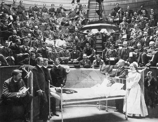 Giảng đường đại học Rush Medical ở Chicago, năm 1900.