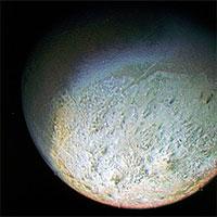 """NASA tiết lộ về """"mặt trăng quay ngược"""""""