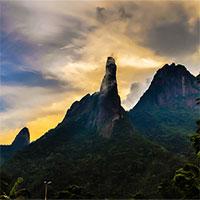 """""""Ngón tay của Chúa"""" - Không cao nhưng là điểm thách thức cực nguy hiểm với giới leo núi"""