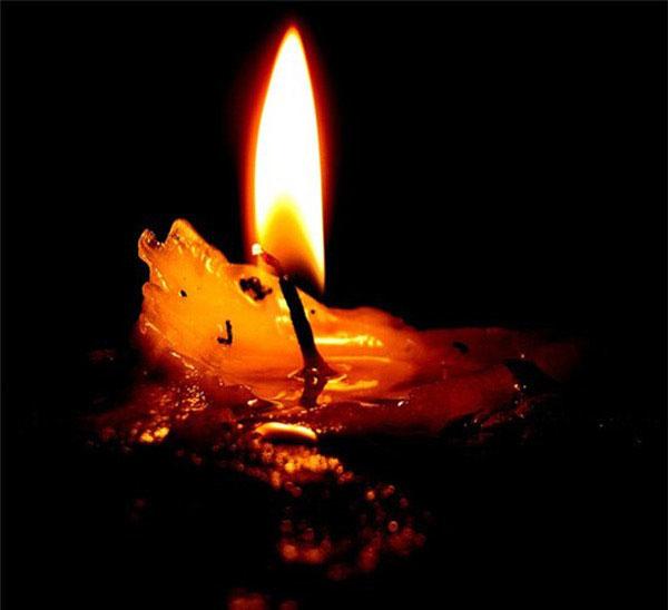 Hiện tượng này được ví với hình ảnh ngọn đèn trước khi tắt, ánh lửa tự nhiên rực sáng.