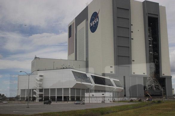 Tòa nhà lắp ráp thiết bị của NASA, một trong những tòa nhà 1 tầng lớn nhất thế giới