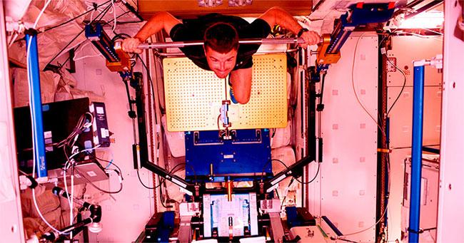 Phương pháp phổ biến được các nhà du hành vũ trụ áp dụng từ trước đến nay vẫn là các bài tập thể chất.