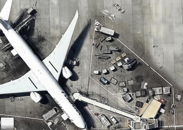 Đây không phải là ảnh thực từ vệ tinh, và độ phân giải cao như thế này không thể chụp được từ không gian