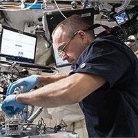 Vi khuẩn và nấm tấn công trạm ISS, đe dọa phi hành gia