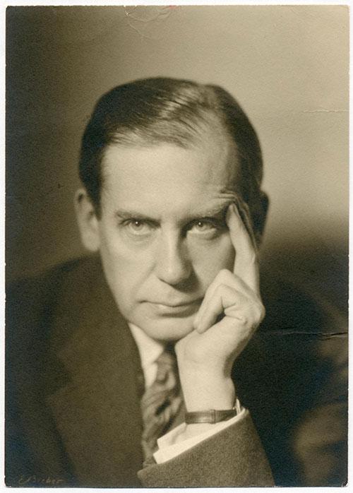 Walter Ggropius.