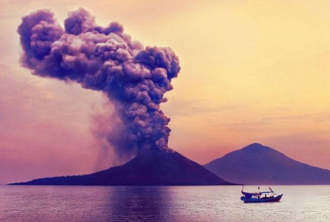Âm thanh từ ngọn núi lửa có thể thấy từ cách đó 4800m